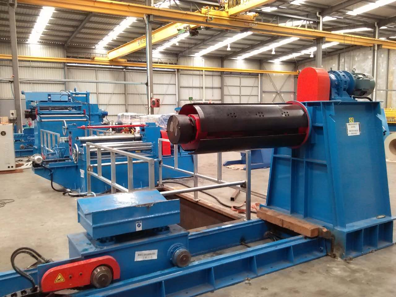Simple hydraulic slitting line